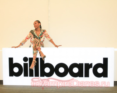 At Billboard offices in New York City [19 октября]