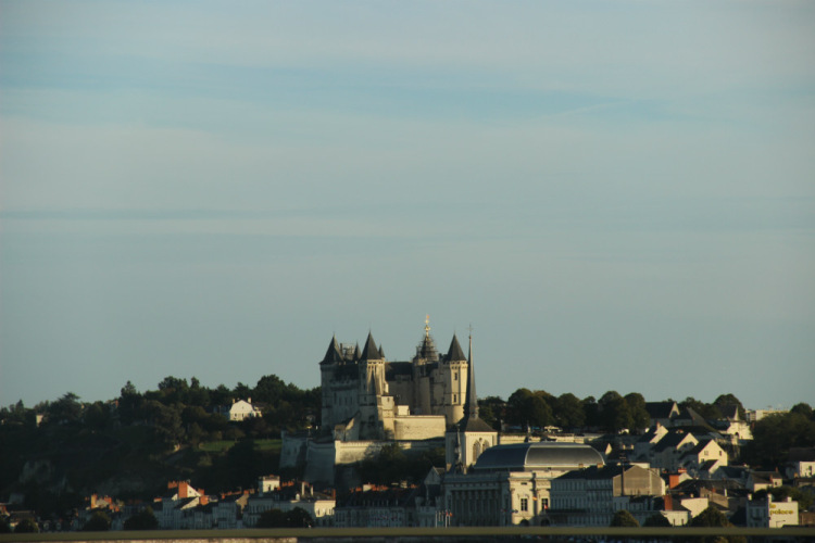 Сомюр. Вид на замок